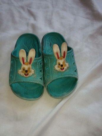 Отдам детскую обувь