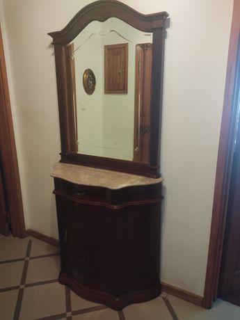 Espelho e aparador de entrada