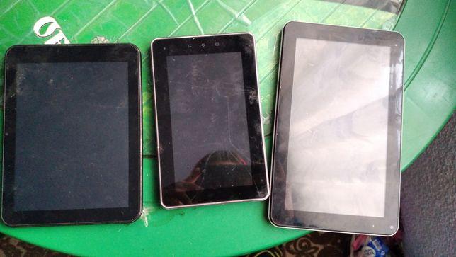 Продам планшети майже задурно)ціна за 3
