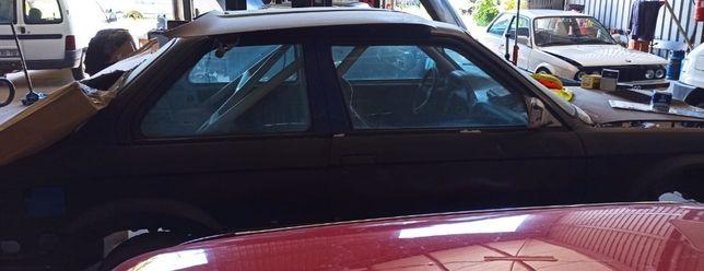 BMW E30 320i Coupé Sem mecanica e Sem documento. Venda/Troco por mota.
