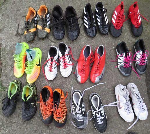 Zestaw dziecięcych butów piłkarskich
