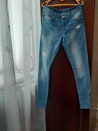 Продам джинсы недорого