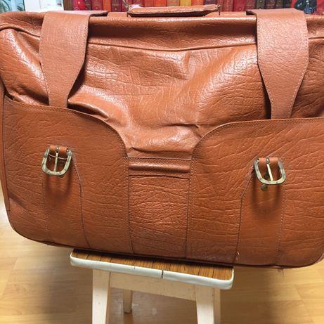 Винтажный кожаный чемодан ретро - СССР