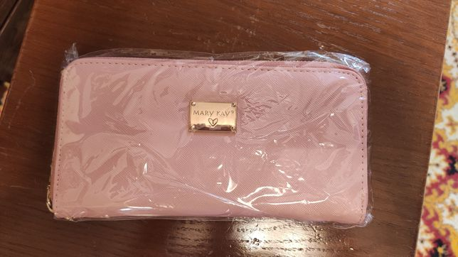 Продам очень стильный, оригинальный кошелек от Mary Kay