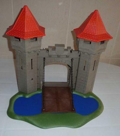 playmobil entrada com torres e fosso castelo 3268