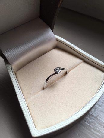Pierścionek zaręczynowy NOWY złoty APART 109.452/rozm 17