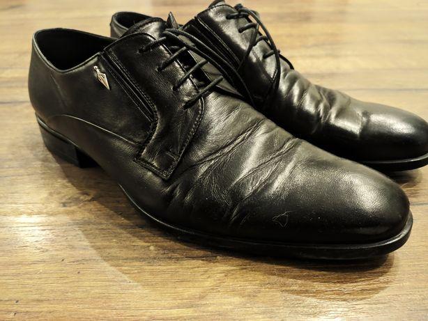 Продам итальянским туфли 39о размера