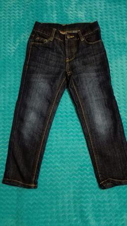 Spodnie chłopięce jeasowe rozmiar 110