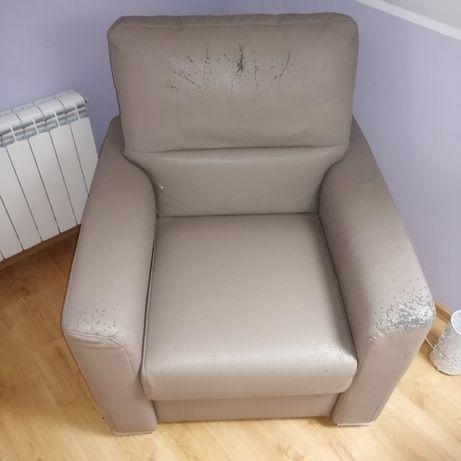 Duży fotel, wysoki
