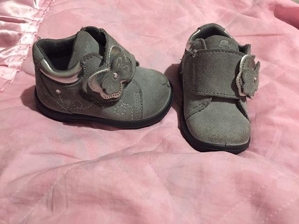 Взуття для дівчинки 18 розмір черевички, чобітки, весна/осінь