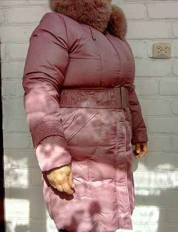 Розовый пуховик размер 50