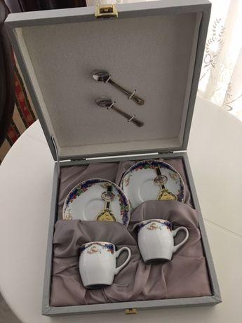 Vendo estojo de chávenas e Pires Limoges