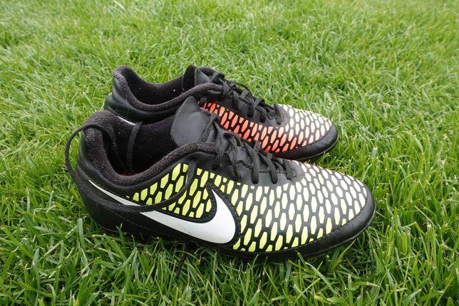 Nike korki roz 32 jak nowe!