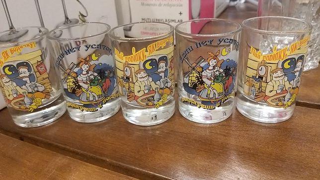 Рюмки, бокалы, стаканы