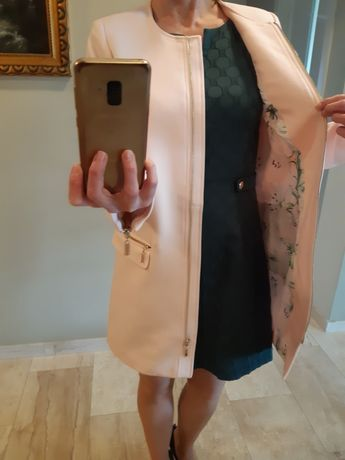 Płaszcz wiosenny różowy Mohito