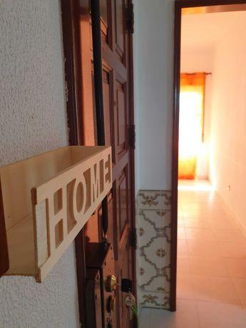 Arrenda-se Apartamento T2 R/C Bem Localizado Pinhal Novo