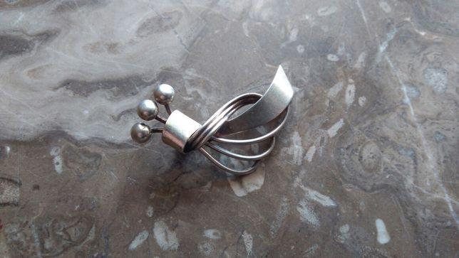 Srebrna broszka Prl srebro 900