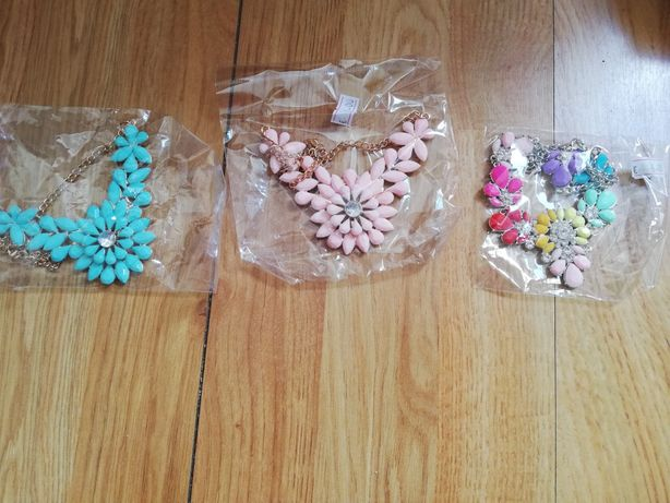 3 colares, preço 3€ cada