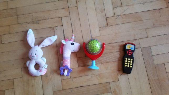 Zestaw 4 zabawek grzechotek królik, konik, grzechotka z przyssawką tel