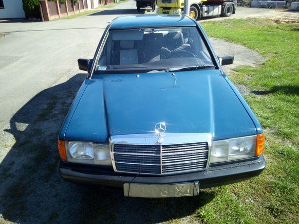 Mercedes C190 2.0