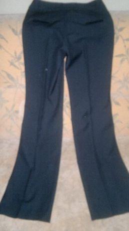 Обязательный элемент гардероба -брюки