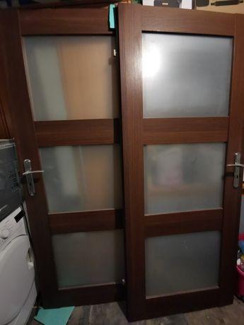 Sprzedam drzwi używane wraz z oscieznicą drewnianą
