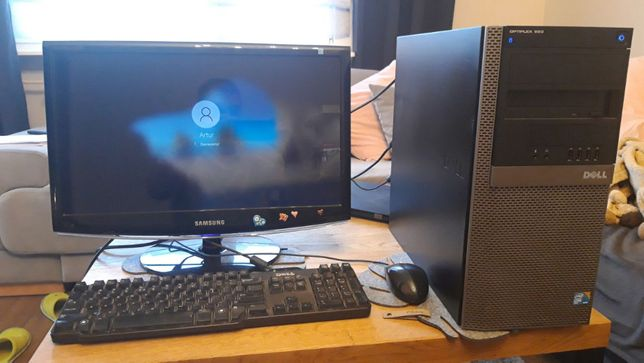Komputer DELL OPTIPLEX 960 Core2 Duo E8400, 3GB, 160GB, monitor 22""