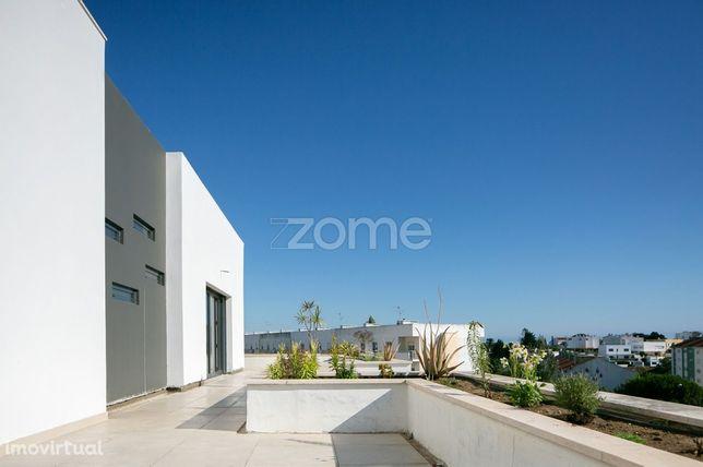 Condomínio Mirante - Penthouse T3 com terraço e box em Paço de Arco...