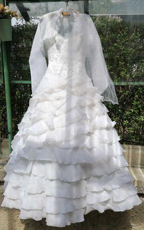 Suknia ślubna dla damy