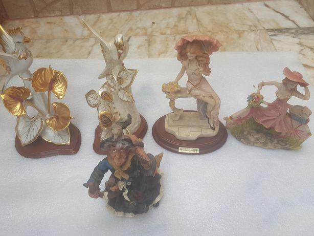 Conjunto  de bonecas  em loiça  para  decoração