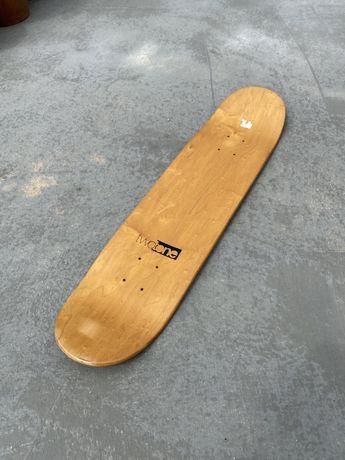 Tábua de Skate Nova