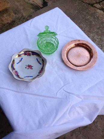 Conjunto - Taça; Prato Cobre; Caixa verde