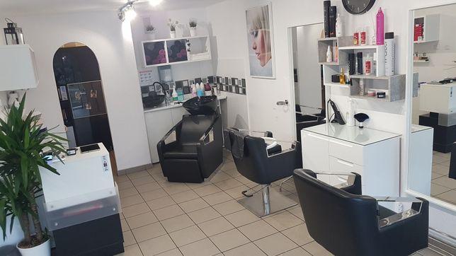 Odstąpię bardzo dobrze prosperujacy salon fryzjerski.