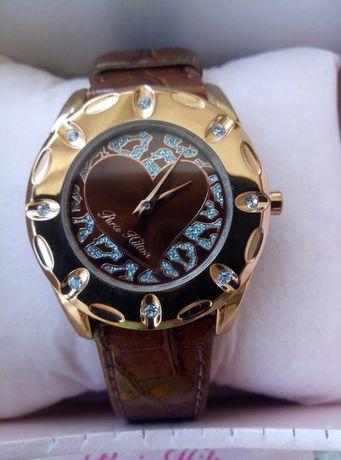 Часы женские наручные новые Paris Hilton