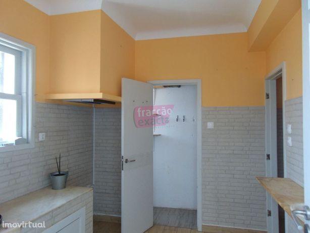 Apartamento T4+1 (Office) | Centro Espinho | 200m Praia