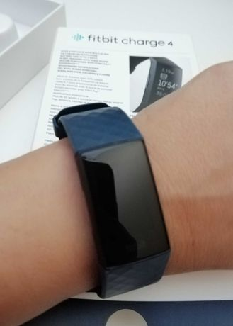 FITBIT 4 - Pulseira de Atividade Fitbit Charge 4 Storm - Azul