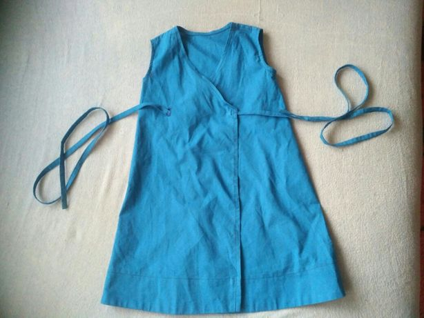 Płócienna sukienka wiązana