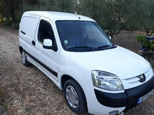 Peugeot parten 2000HDI bem estimada