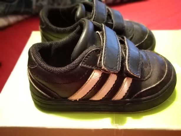 Sapatilhas Adidas 21