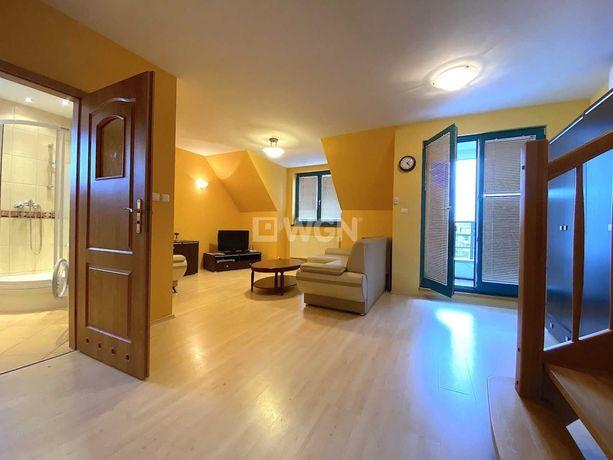 Stare Miasto. 2 poziomy 3 pokoje 90m2 kuchnia 2 łazienki balkon klima