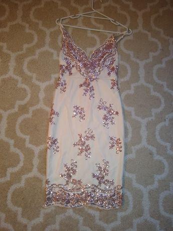 Sukienka roz 34 powystawowa