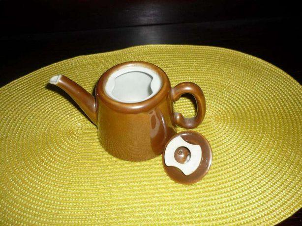 Bule em porcelana francesa com carimbo