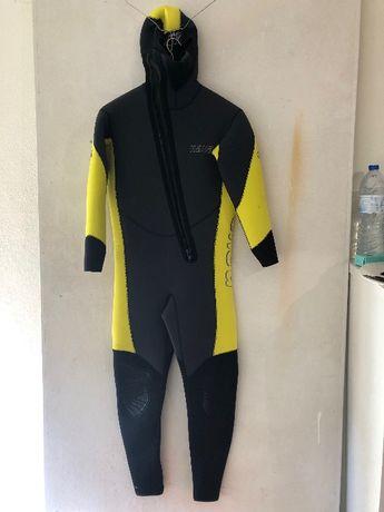 Equipamento completo para mergulho, com muito pouco uso.