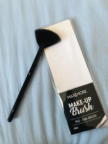 Кисть для макияжа, хайлайтер, румяна, пензлик, кисточка max&more