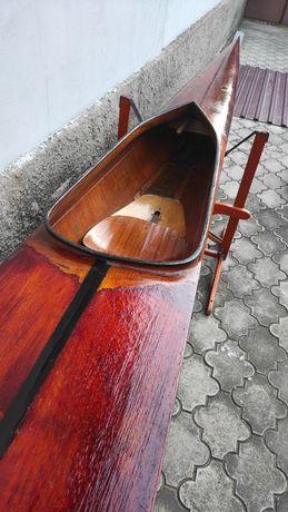 Продам спортивную байдарку из красного дерева ретро (1970 год)