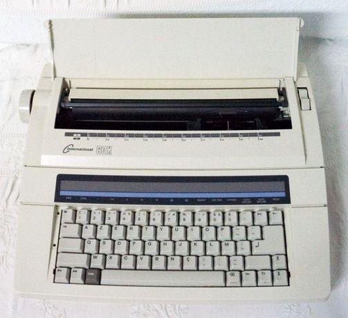Máquina de escrever Nakajima AX 60