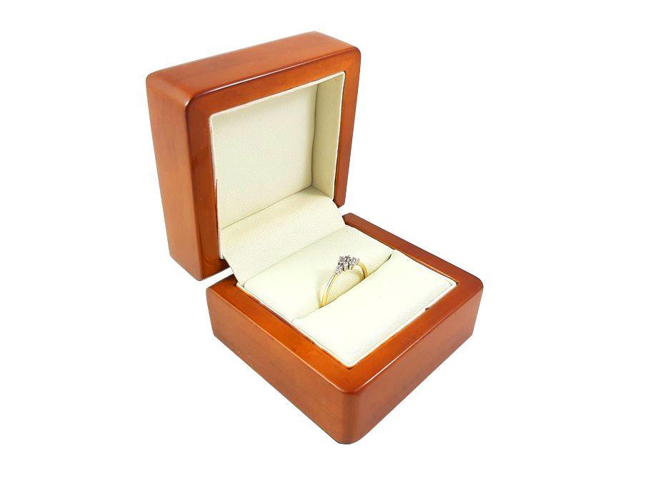Złoty pierścionek wzór kwiatek z cyrkonii. Pr: 585 Wga:1,21g Sobótka - image 1