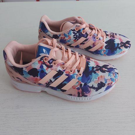 Кроссовки Adidas, р 36, прекрасное состояние