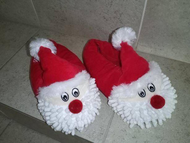 Pantufas pai Natal e chinelos piscina