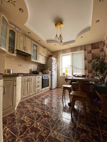 Продам 3-кімнатну квартиру з ремонтом, район Автовокзал. RK